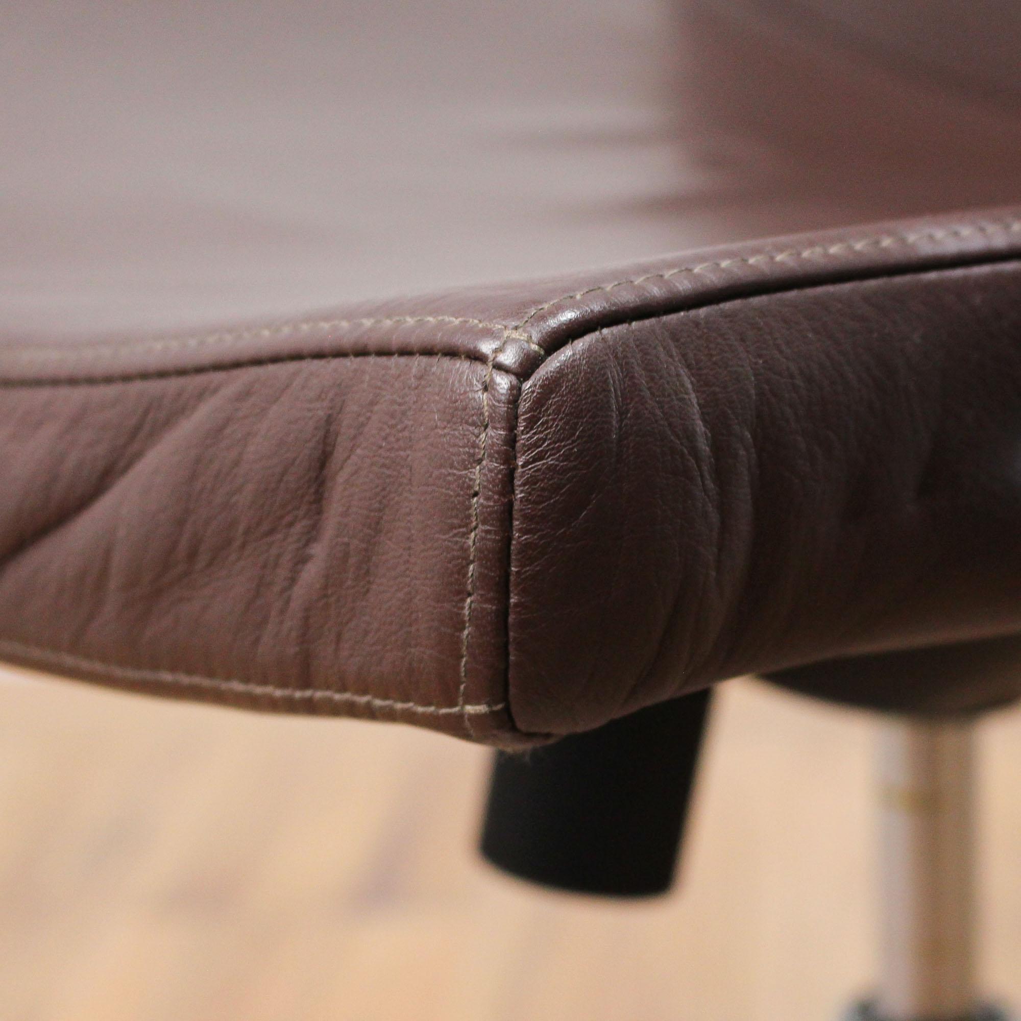 braun Leder Classic Bürodrehstuhl Gestell chrom