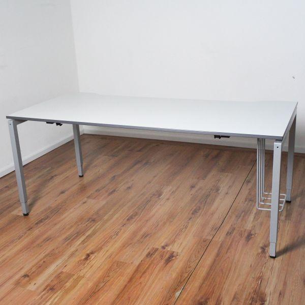 VS Schreibtisch - 180x80 cm - Platte weiß - Gestell silber-%Angebot des Monats%