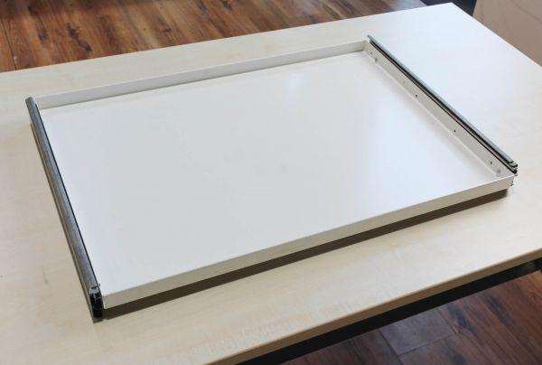 USM Haller Ausziehtablar Weiß 1. Generation 75 x 50 cm inkl. Schiene