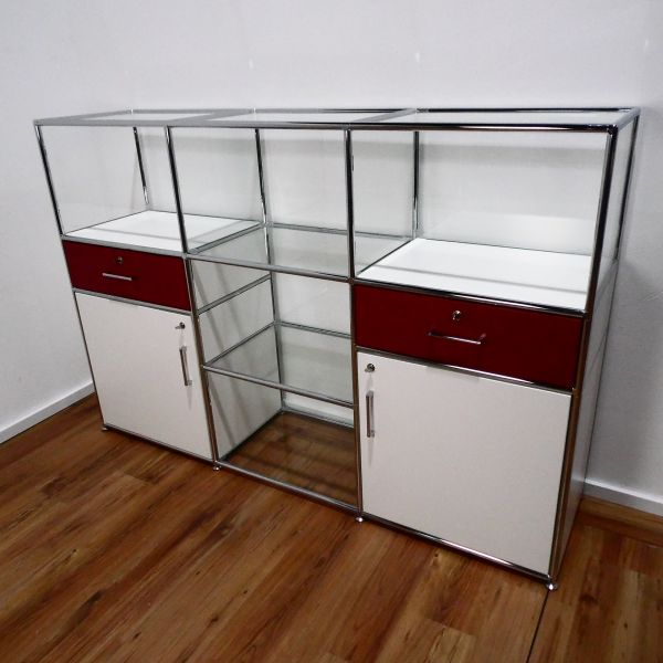 Bosse - Sideboard - 9 Felder - 2 Klappen - 2 Schubladen - 5 Glasfelder - weiß/rot