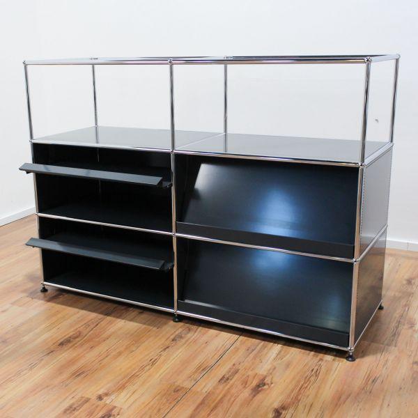 USM Haller Sideboard 3OH - 6 Felder - anthrazit - 4 x Prospekttablar und Glasaufsatz