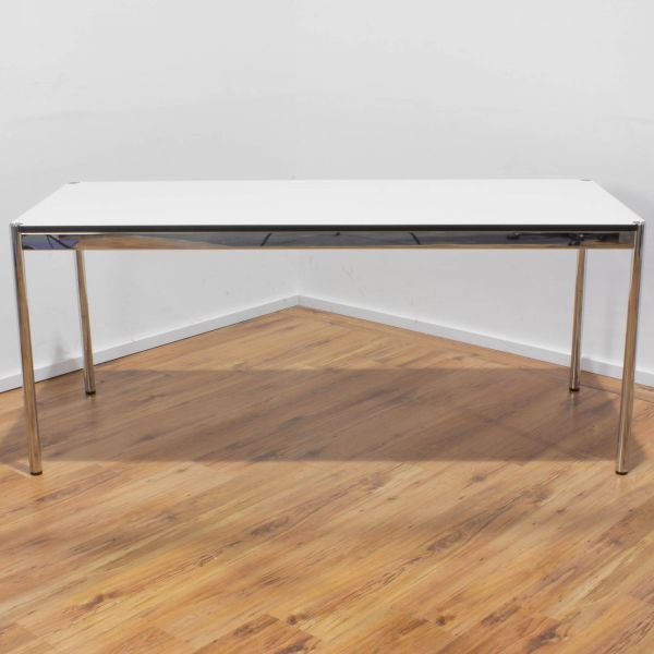 USM Haller Schreibtisch 175 x 75 cm in perlgrau