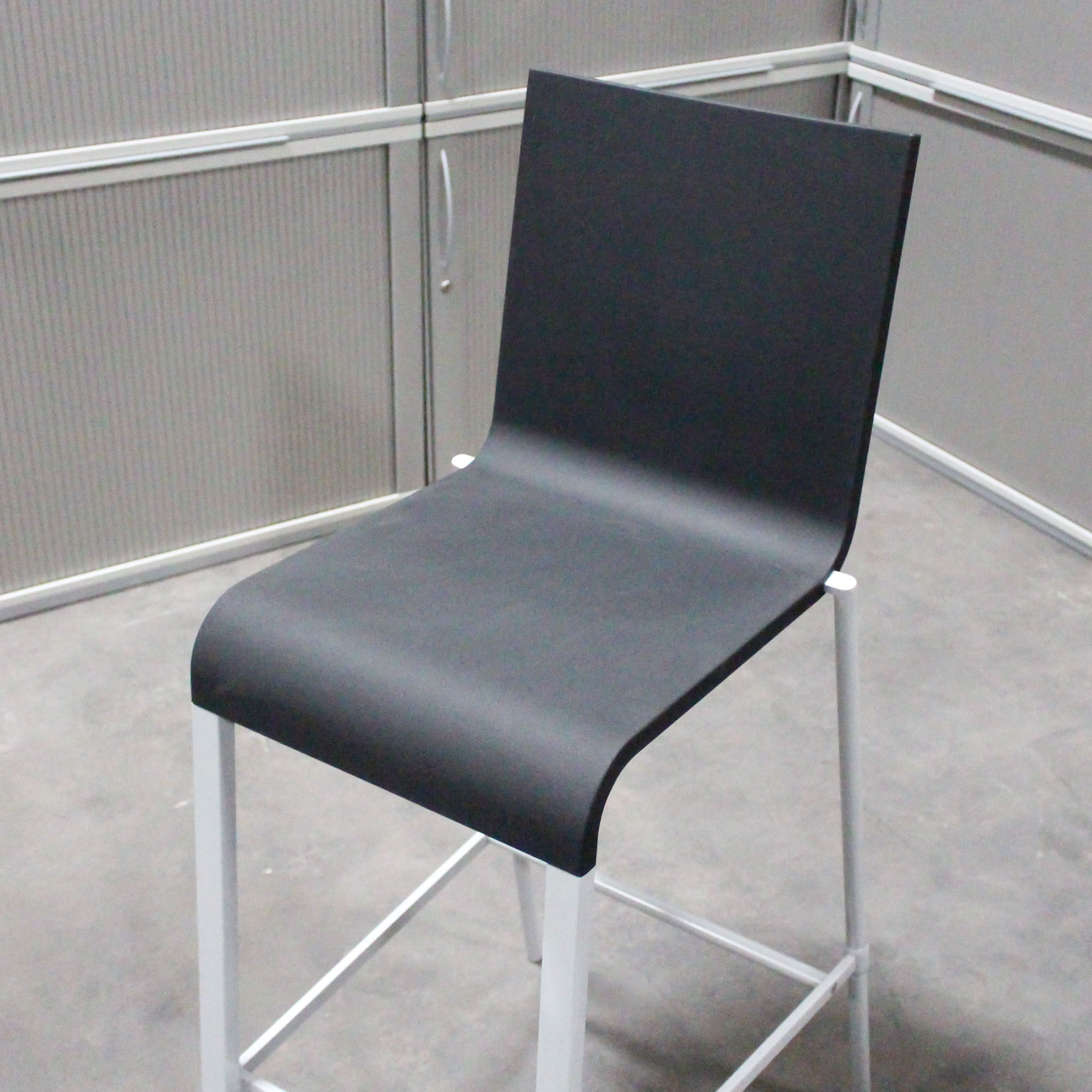 Vitra 03 Klassiker Barhocker Schwarz   BarHocker   Bürostühle   KS Büromöbel