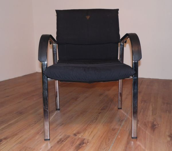 Vitra Besucherstuhl - Stoff in schwarz - Gestell chrom