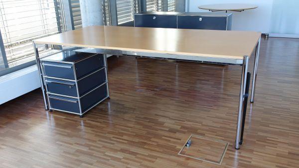 USM Haller Schreibtisch 200x100cm Buche inkl. Kabelführung