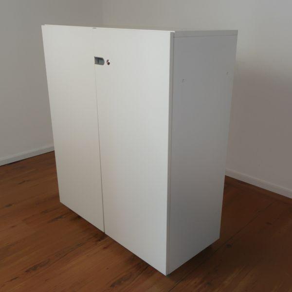 Vitra Storage Sideboard - 3OH - Korpus in weiß - Flügeltüren weiß