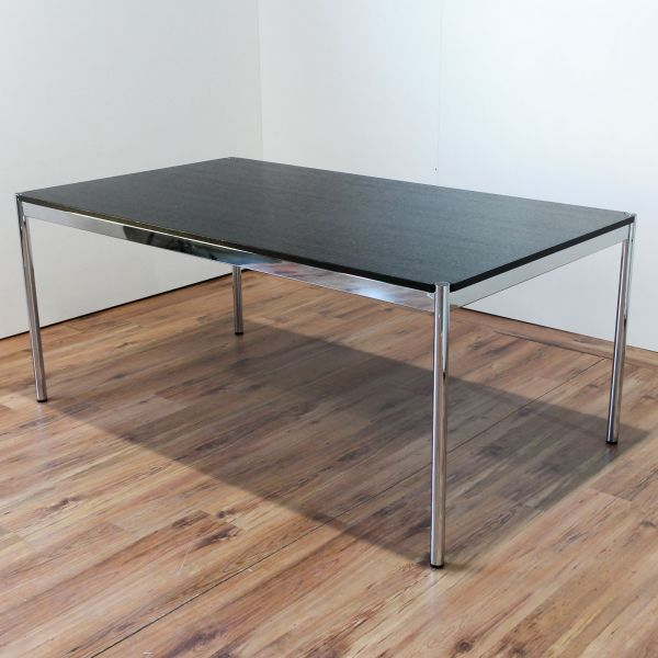 USM Haller Schreibtisch 175 x 100cm Eiche Schwarz Echtholz