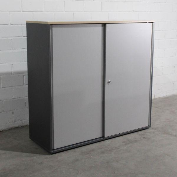 Bene Sideboard 3OH Anthrazit Schiebetüren Silber Deckplatte Ahorn
