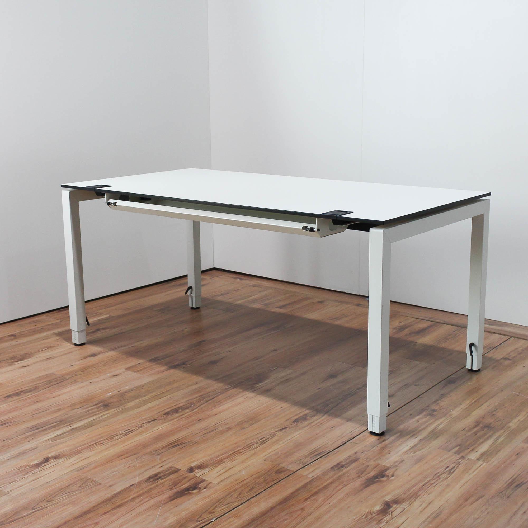 samas schreibtisch wei 160x80cm tischkante schwarz 4 fu. Black Bedroom Furniture Sets. Home Design Ideas