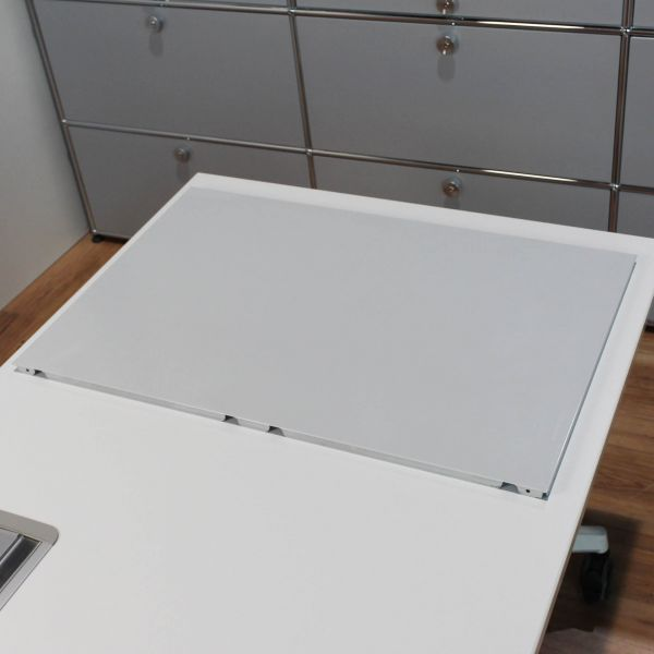 USM Haller Tablar Lichtgrau 1. Generation 75 x 50 cm - 4er Set