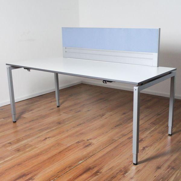 VS Schreibtisch - 180x80 cm - Platte weiß - Gestell silber - mit Trennwand