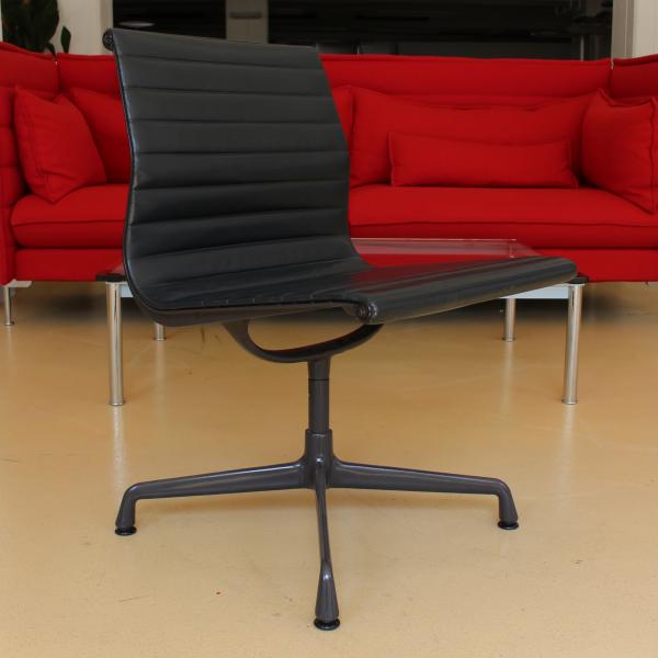 Vitra Eames EA 105 Konferenzstuhl Leder schwarz