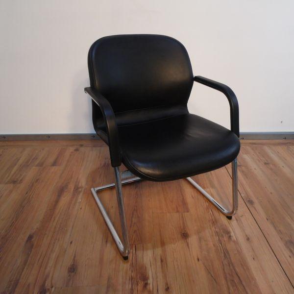 Wilkhahn Konferenzstuhl - Leder in schwarz - Gestell chrom