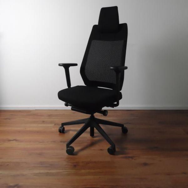 Interstuhl Bürodrehstuhl Joyce - Stoff schwarz - Gestell schwarz - hohe Rückenlehne - Kopfstütze