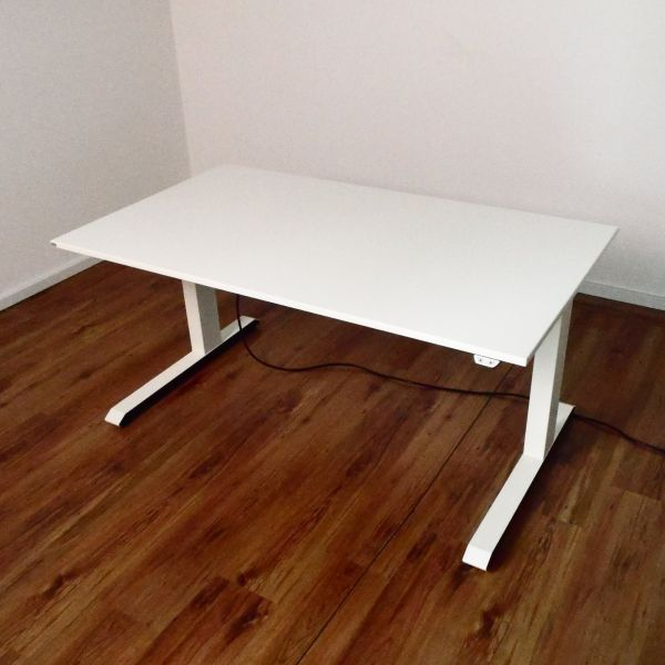 """Sedus E-Schreibtisch """"Temptation C"""" - 140x80cm in weiß - Gestell C-Fuß weiß"""