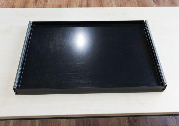 USM Haller Ausziehtablar Schwarz 1. Generation 75 x 50 cm inkl. Schiene
