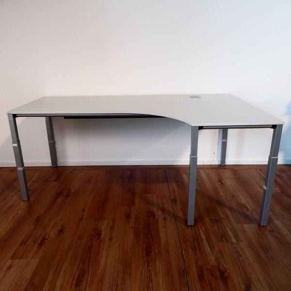 Sedus Freiform Schreibtisch - Platte lichtgrau - Gestell silber