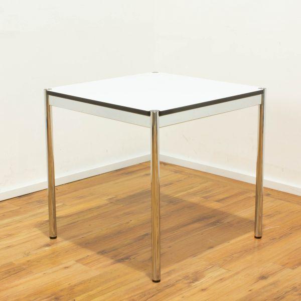 USM Haller Schreibtisch - Platte 75x75cm in weiß - Gestell 4-Fuß chrom