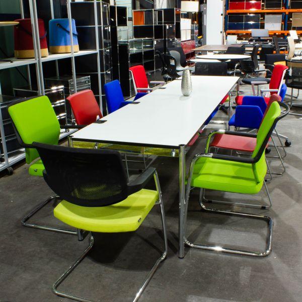USM Haller Schreibtisch Plus - 300 x 75cm - Tischplatte weiß