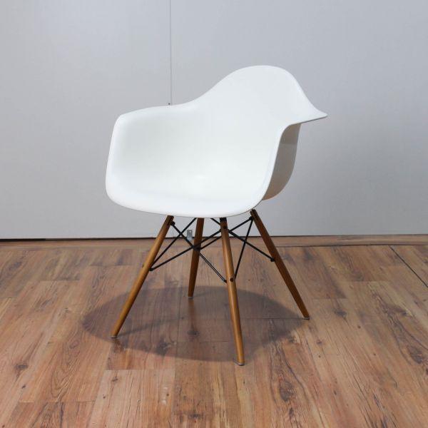 Vitra DAW Eames Plastic Armchair Sitzschale Weiß