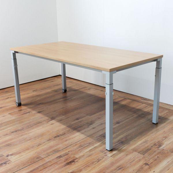 Steelcase Schreibtisch Buche Platte 160 x 80 cm auf Rollen