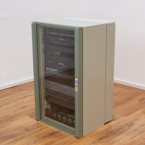 Serverschrank MIDI mit Equipment für Vortrags/Video-Konferenzraum inkl. Geräte