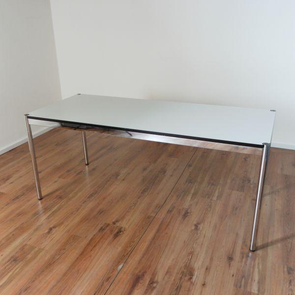 USM Haller Schreibtisch 175x75cm in perlgrau, Gestell 4-Fuß chrom - Tischplatte NEU -