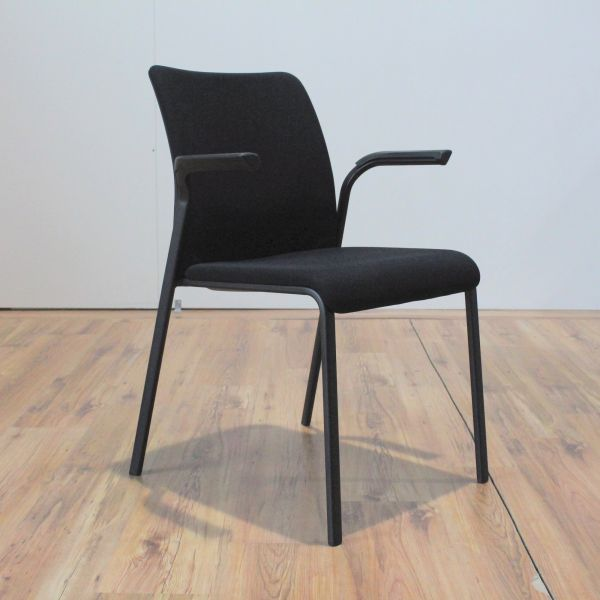 Steelcase Reply Konferenzstuhl Bezug Stoff Schwarz mit Armlehnen stapelbar