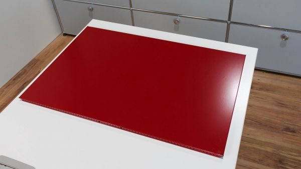 USM Haller Tablar Rubinrot 75 x 50 cm neue Generation