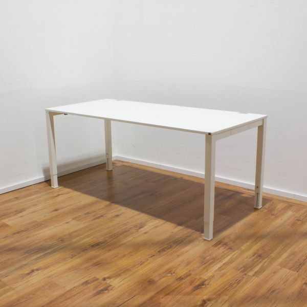 König & Neurath Schreibtisch weiß - 180x80cm - 4-Fußgestell weiß