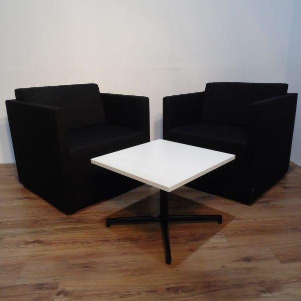 König & Neurath NET.WORK.PLACE Loungemöbel Ensemble 2 Sessel Stoff schwarz + 1 Tisch Weiß
