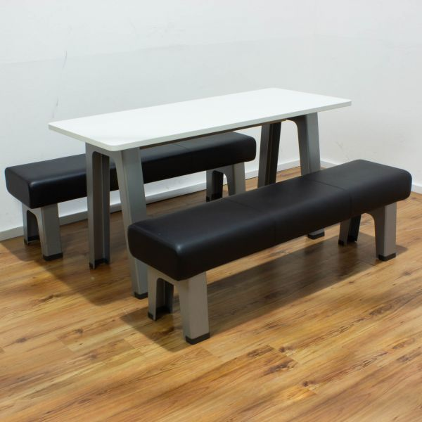 Steelcase B-Free - Set Besuchertisch plus 2x Sitzbank niedrig in Leder schwarz