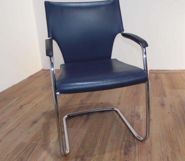 Brunner Besucherstuhl - Leder in dunkelblau - Gestell chrom