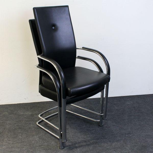 Fritz Hansen Freischwinger Spin - Leder schwarz - stapelbar